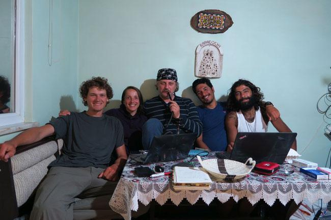 In Trabzon bei unserem Warmshowerhost Seyfettin zusammen mit Amir und Babak zwei  iranische Radlern