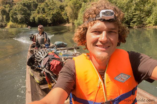 Mit Rad und Boot durch die Konglor Cave