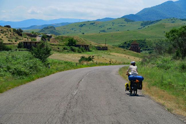 Aserbaidschanische Grenze auf der rechten Seite