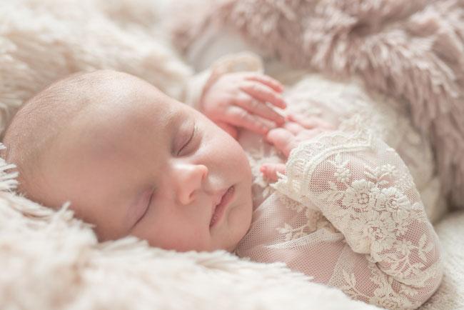 Heilpraktikerin für Neugeborene und Babys. Kinderhomöopathie bei Säuglingen und Neugeborenen