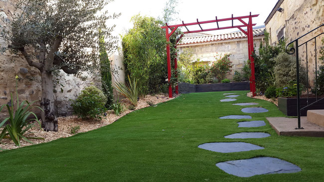 R alisation paysagiste jardin de ville balcon terrasse for Amenagement jardin bordeaux