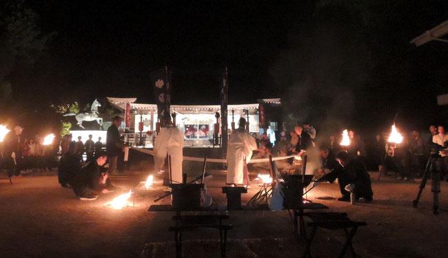 2017年10月14日、秋期大祭の前夜祭「湯立神事」。船川八幡宮にて。