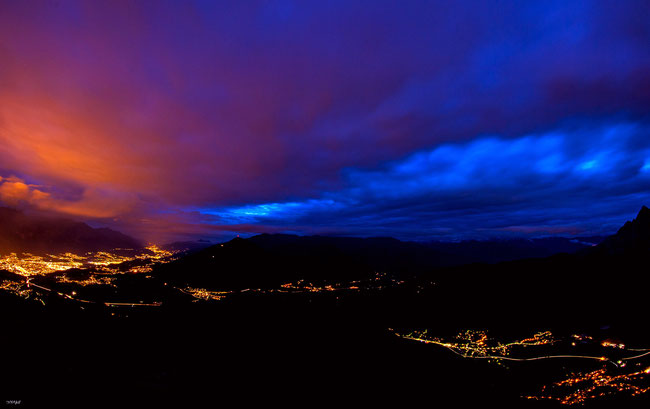 Sturm über Innsbruck mehr als 100 kmh wind in der nacht....