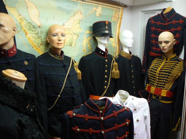 oude uniformen neerlandskrijgscollectie
