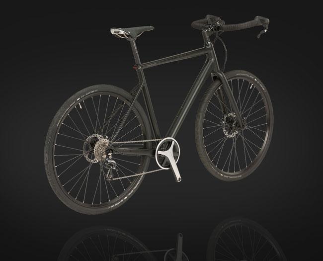 In Kombination mit dem H-Bar-Lenker des Millennial 2 und den speziellen Schalt-Bremshebeln ergeben sich dabei Griffpositionen ähnlich dem Oberlenkerfahren mit dem Rennrad.