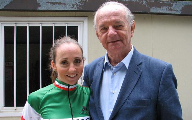 Wie ein Vater: Ex-Team-Chef Erminio Bolgiani mit Eva Lechner © Josef Bernhart