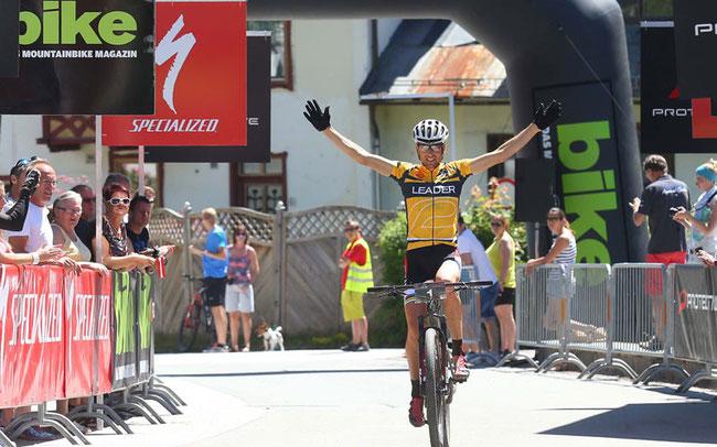 Der Superstar des Vier-Tage-Rennens: Christoph Sauser aus der Schweiz ©Henning Angerer
