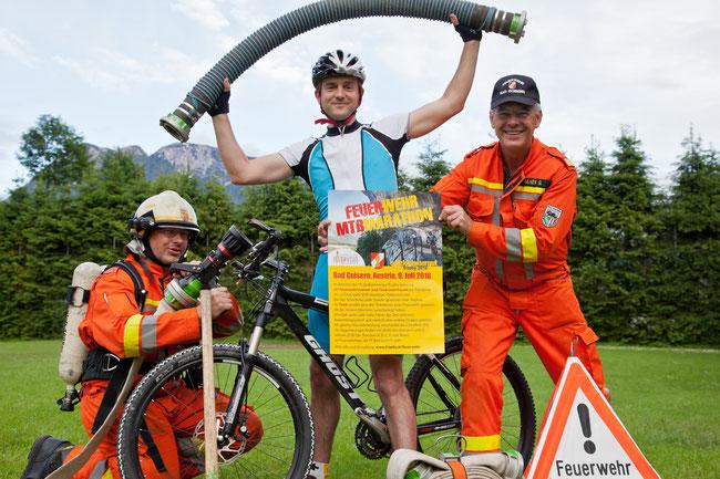 bei der Salzkammergut-Trophy 2016 tauschen die FF-Kameraden die Schläuche gegen das Bike