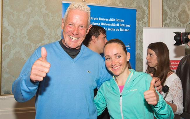 ©(EURAC/Seehauser): Engel und Eva: die Rad-Idole Thurau und Lechner trafen sich bei ei der Giro-Präsentation 2014 in Bozen/Südtirol