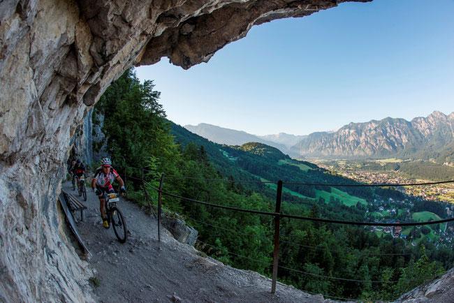 Die Ewige Wand hoch über Bad Goisern – spektakulärer und einzigartiger Streckenabschnitt bei der Salzkammergut-Trophy!