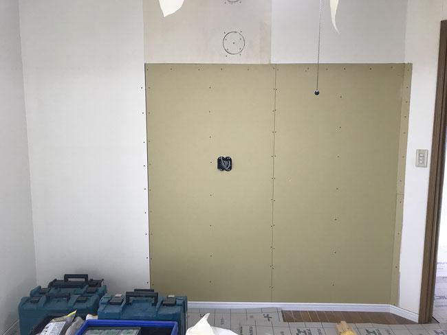 壁掛けテレビ電源工事