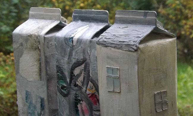 Häuser aus Milchtüten - Upcycling