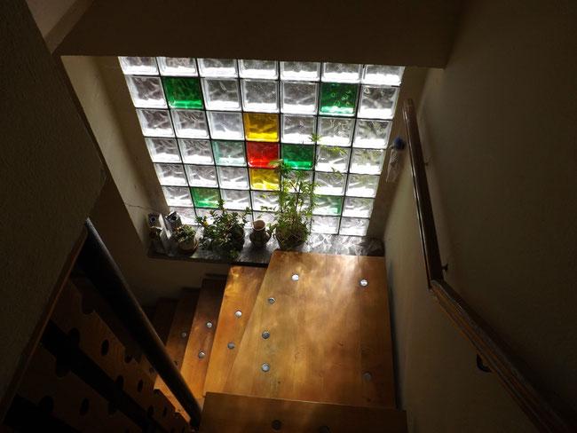 Stilechte Glasbausteine, in der Familie umstritten, aber ich mag sie sehr.