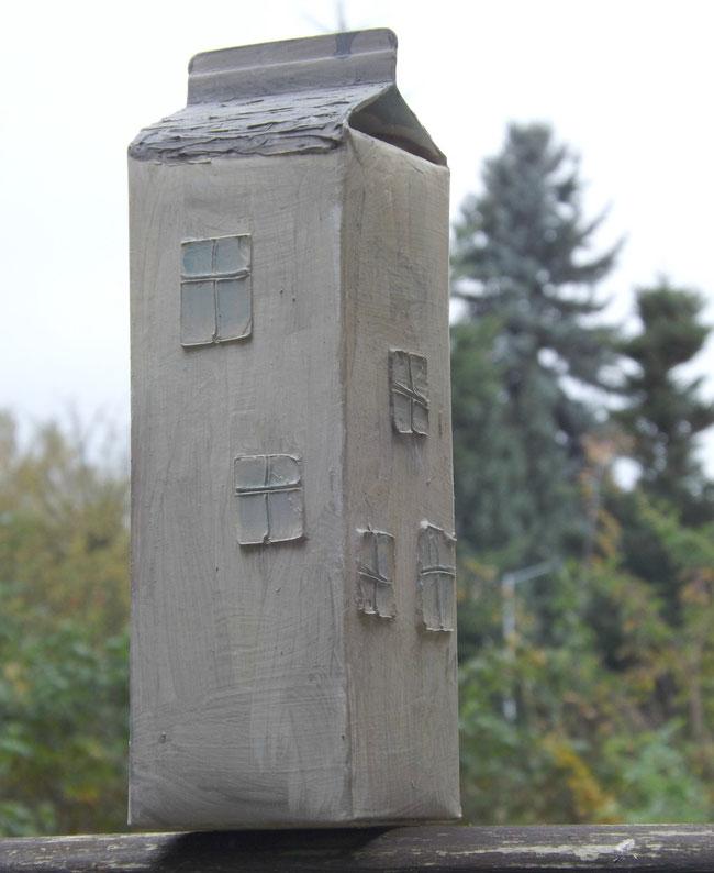 Haus aus Saftkarton