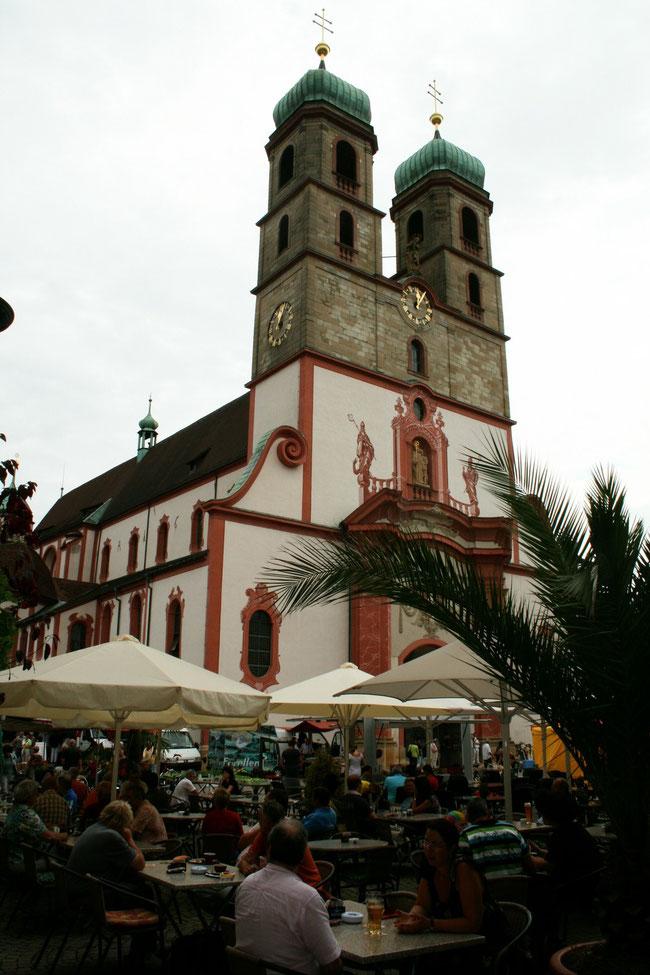 Das Herzstück der Säckinger Altstadt, das St. Fridolinsmünster ( geweiht 1360 ) Bild: Hans - Martin Vögtle