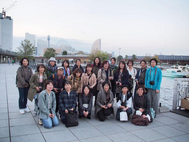 まとりかりあ写真教室横浜 ヨコハマノスタルジック撮影&夜間撮影チャータークルーズ記念写真