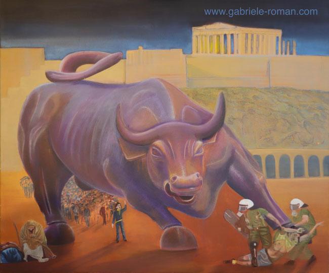 Akropolis im Hintergrund. Eine große Menschenmenge läuft unter einem riesenhaften Stier. Ein Mann entdeckt wie 2 Polizisten rechts im Vordergrund einen anderen Mann brutal wegzerren. Links im Vorderrund sitzt ein obdachloser Bettler.