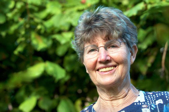 Helga Tetsch in ihrem Proschimer Garten
