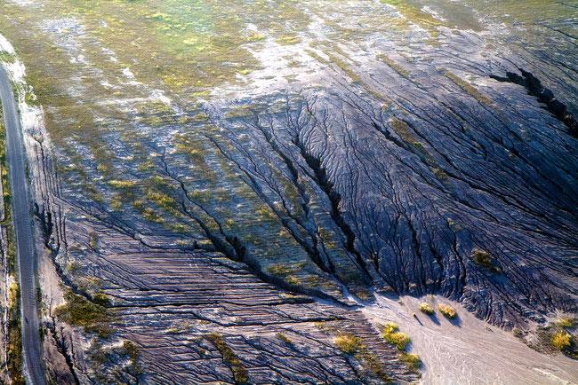 Rutschungen und Erosion an einer Abraumhalde im Tagebau Jänschwalde