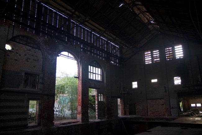 Fabrikhalle der alten Glasfabrik von Haidemühl