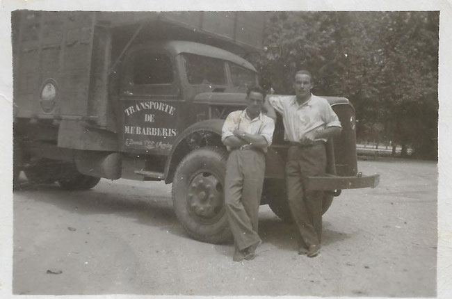 """El camión luce la leyenda """" Transporte de Miguel Felipe Barberis"""", padre de Carlos."""