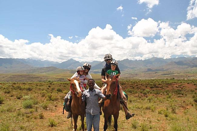 Lesotho, Afrika, Malealea Lodge, Pferdetrekking, Pferd, Pferde, Familie, Reisen