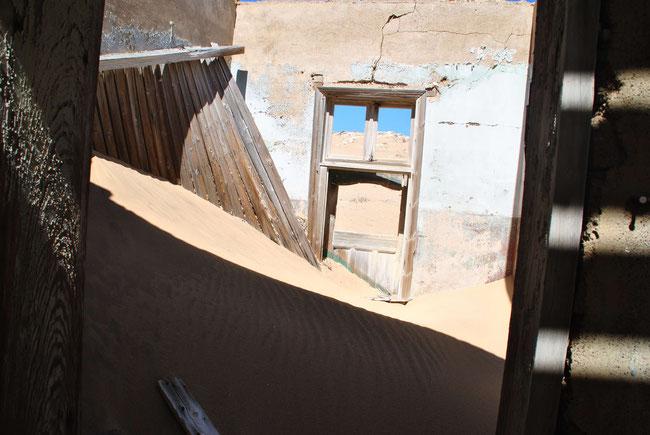 Kolmannskuppe, Kolmanskop, Namibia, Wüste, Diamanten, Sand, Geisterstadt