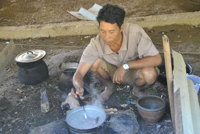 Nong Khiaw, Fischsuppe, Kochen