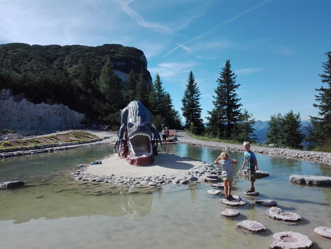 Triassic Park, Steinplatte