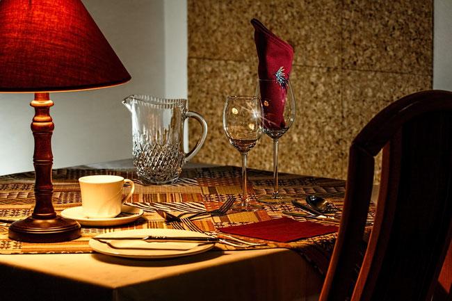 table de restaurant  pour création de site internet pour commerçant avec e-cime.fr