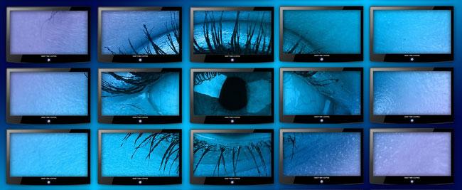 oeil qui surveille le monde internet pour la protection et l'information de l'entreprise