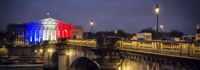 Bâtiment drapeau français pour création de site internet par e-cime web