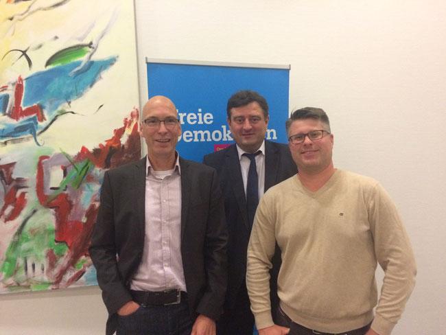Bundestagskandidat Dr. Andres Schützendübel, Staatssekretär Mathias Richter, Stadtverbandsvorsitzender Christian Leson