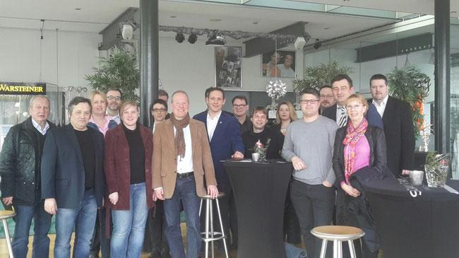 Delegierte und Gäste der FDP des Kreises Recklinghausen beim Bezirksparteitag 2016