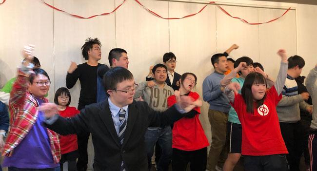 ドリプロメンバーと一緒に「恋するフォーチューンクッキー」を踊る。こころとからだが解放されました!
