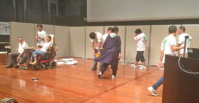 最後の「YATTA!」では、めぐみさんにけんさんが花束を差し出し、撃沈。二人とも演技力が素晴らしかった!