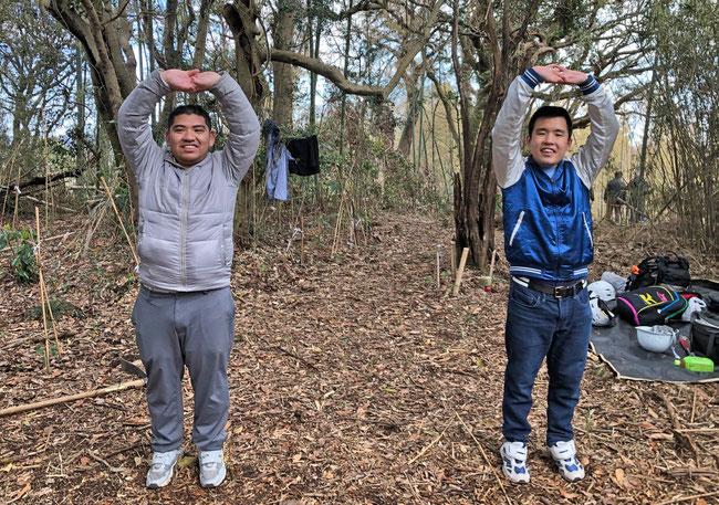 昼休み 竹林の中で「ラジオ体操第1」とストレッチをしました。体が覚えていましたね。感心しました。