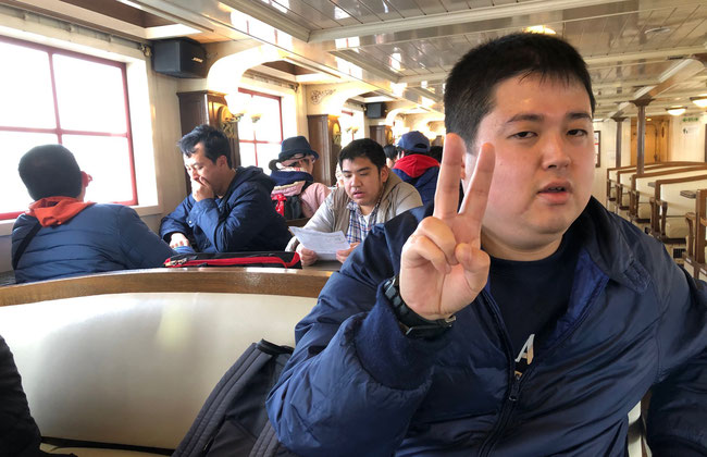 浅草からの水上バス船内にて 最近の話題も取り入れた船内アナウンスがとても良かった。情緒あふれる隅田川の旅をのんびり楽しめました!