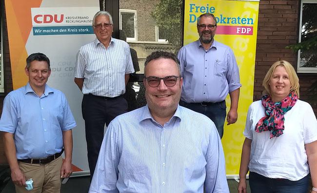 v. l.: Jörg Jedfeld (CDU), Georg Gunnemann (FDP), Bodo Klimpel (CDU), Benno Portmann (CDU), Christine Dohmann (FDP)
