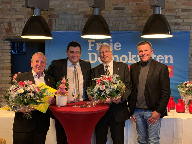 v.l.: Robert Heinze, Mathias Richter, Georg Gunnemann, Christof Rasche MdL