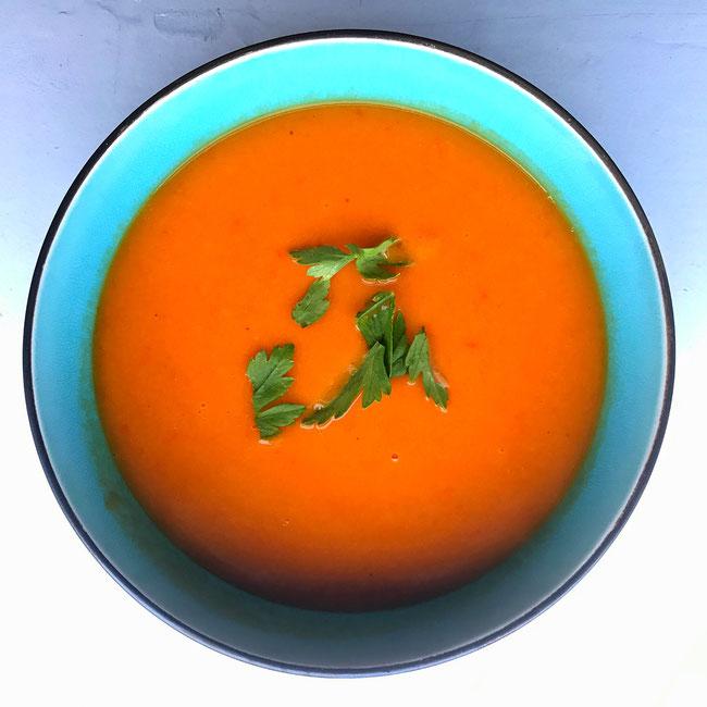 Zoete aardappel paprika soep met gember
