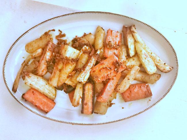 Gegrilde wortel, pastinaakmix met gember en kurkuma