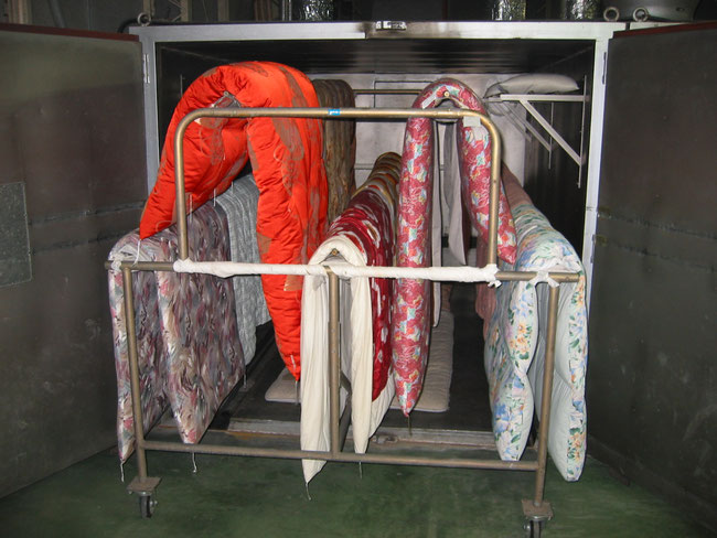 乾燥室による布団の静止乾燥