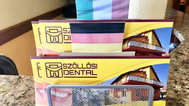 Рекламные буклеты в клинике Szöllősi Dental только на двух языках: на немецком и итальянском. Сразу понятно, кому здесь больше всего рады :)