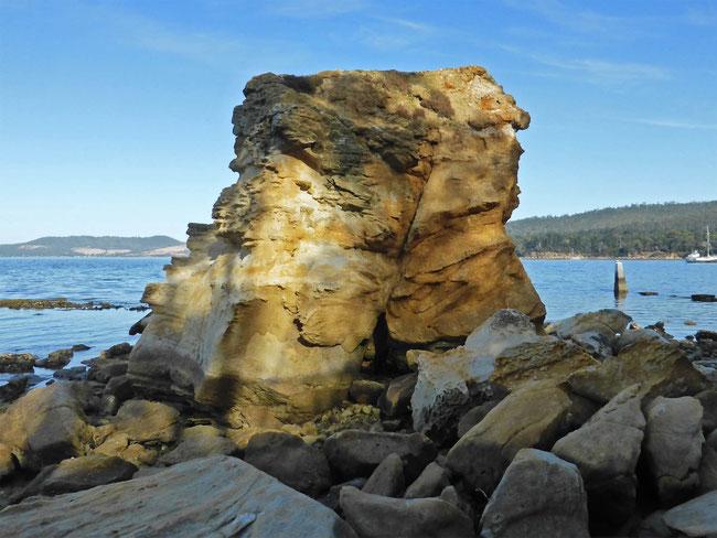A sandstone blockat the end of Snug Beach