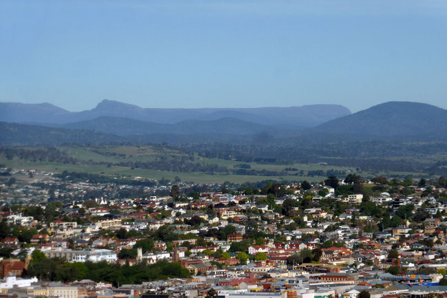 Mountains south-east of Launceston