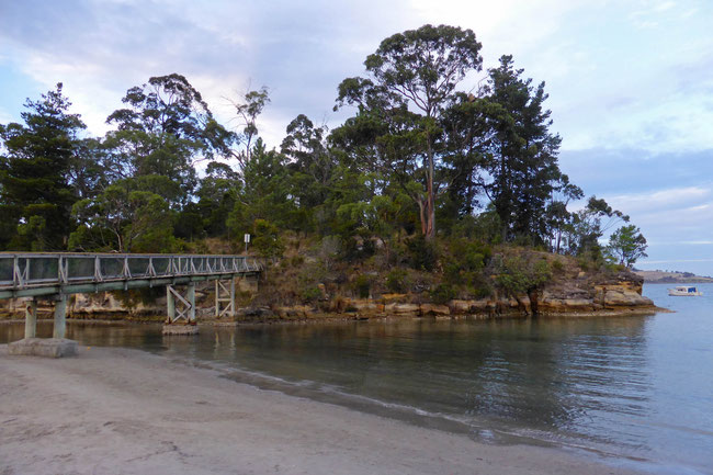 Snug River footbridge
