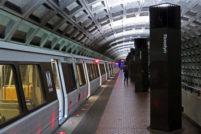 Rosslyn Station, on the Washington Metro – nothing interesting happening here!