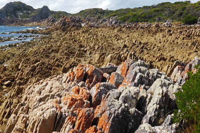 Rocks on the coastal route