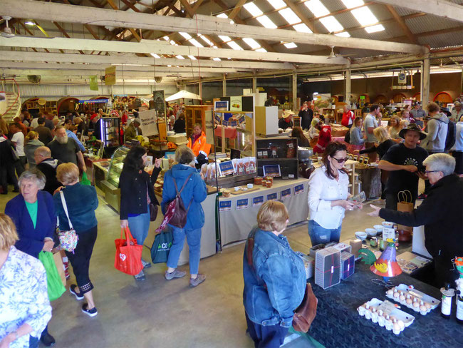 Artisan's stalls in the Barossa Farmers Market